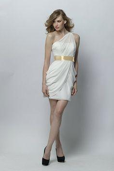 has an ancient Roman or Greek goddess look..i like