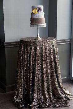 Delicieux A Modern Industrial Wedding Cake Table With Our Sparkly Paris Linen   Love  The Chains Around