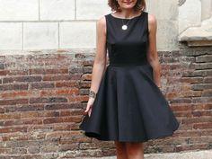 Robe Demoiselle - Louis Antoinette Paris - La petite robe noire qui tourne!