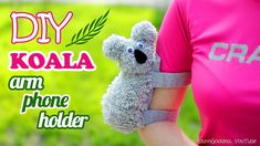 How To Make A Koala Arm Phone Holder – DIY Phone Case For Arm – Koala Armband. Easy way to make a sports armband phone case that looks like koala! If you dont have pockets to put your phone in and you dont want to take your bag – this cute Koala arm Cell Phone Pouch, Diy Phone Case, Diy Crochet, Crochet Tutorials, Crochet Ideas, Crochet Patterns, Bag Patterns, Crochet Afghans, Crochet Projects