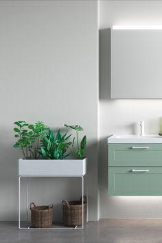 Tips! Hva med å sette flere planter i en planteboks?  Den grønne baderomsinnredningen er fra INR. Få flere tips om grønne planter på badet på badetmiljo.no! Floating Nightstand, Planters, Vanity, Bathroom, Table, Furniture, Home Decor, Floating Headboard, Dressing Tables