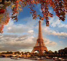 La Torre Eiffel es uno de los lugares más emblemáticos de #París y una visita a la que no se puede faltar.