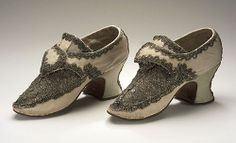 Pair of Woman's Shoes England, circa 1700-1715