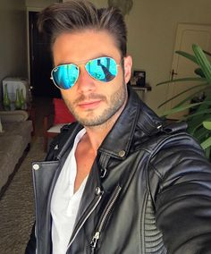 "Páči sa mi to: 17.6 tis., komentáre: 274 – Amadeo Leandro (@amadeoleandro) na Instagrame: ""Hellooo my friendsss  Have a nice day Buenos dias a ustedes  Tenham um bom diaa  __ Jacket by…"""