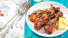Thai Grilled Chicken Legs with Sweet and Spicy Dipping Sauce - NOAH Grilled Chicken Legs, Sweet N Spicy, Asian Chicken Recipes, Sticky Chicken, Heart Healthy Recipes, Healthy Food, Tandoori Chicken, Ricotta, Chili