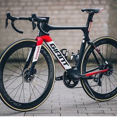 "Loves road bikes on Instagram: "" Giant Propel   @woutervdbroeck #lovesroadbikes #giantpropel #shimano #duraace #giantbikes"""