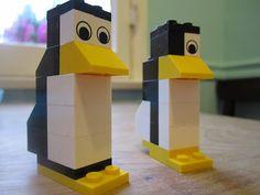Lego penguin for diorama Lego Penguin, Penguin Party, Penguin Craft, Lego Duplo, Lego Animals, Polar Animals, Construction Lego, Lego Challenge, Lego Christmas