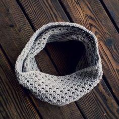 shell stitch crochet cowl scarf free crochet pattern