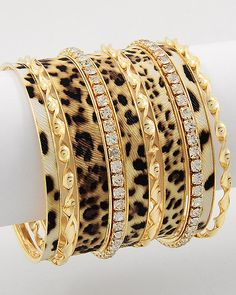 Tiermuster passen in geringen Mengen überall dazu!  Animal print bangles -right on trend. #jewelery http://www.annabelchaffer.com/categories/Designer-Jewelery/Gemstone-Jewelery/