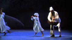 Der Nussknacker hier erzählt als Christmas Carol nach Charles Dickens - sehr sehenswert. (Video des Badischen Staatstheaters Karlsruhe; Lizenz: Standard-YouTube-Lizenz)