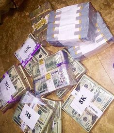 Make money cash easy money rich entrepreneur bitcoin fortune rent rentier love best crypto tee job home moneytizing referral trade bourse exchange tai lopez Warren Buffett