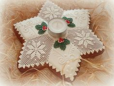All Things Christmas, Christmas Holidays, Xmas, Lace Cookies, Gingerbread Decorations, Biscuit Cookies, Royal Icing, Cookie Decorating, Christmas Cookies
