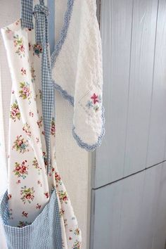 Cottage♡Style on We Heart It White Cottage, Rose Cottage, Cottage Style, Love Blue, Blue And White, Color Blue, Granny Pod, Granny Chic, Shabby Chic
