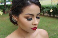 regram @bruna_fix_makeup Uma das makes que mais amo e uma ótima opção para noivas: olho mais neutro com batom vermelho, essa make é linda, chique e super democrática! Agendamentos:993023552 #instamake #make #makeupartist #maccosmetics #urbandecay #anastasiabeverlyhills #maquiagembrasilia #brasil  #mua #maquiagemprofissional #linda  #makeup #instabeauty #instafashionist #fotografia #makeupartist #esfumado #brasilia #beautiful #beauty #batom  #mulher #brasilia #profissaomaquiador  #inglot…
