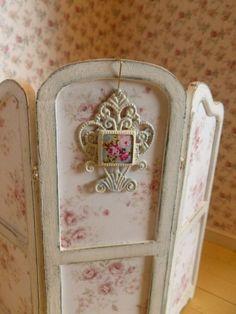Shabby Dollhouse miniatures | Dollhouse Miniature Shabby Chic Wall Hanging by MinisbyJan on Etsy, $6 ...