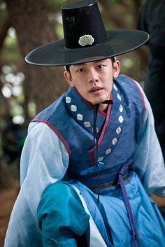 [Jang Ok-jung, Living by Love] = 숙종 [King Sukjong] - 유아인 (Yoo Ah-in) #Kdrama Korean drama @HanCinema