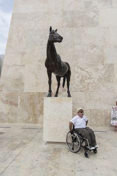 Il cavallo monco della Valletta - Rotellando - VanityFair.it