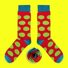 Model: Rubinowe skarpety w zielone grochy Seria:  Sox with the chickenpox  [|] #skarpetki #skarpetka #socks #sock #womensocks #cupofsox #mensocks #koloroweskarpetki [|]