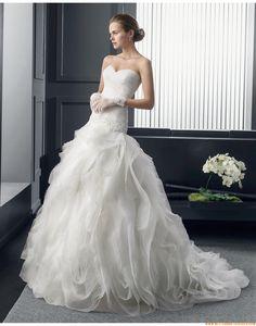 2015 Romantische Traumhafte Ausgefallene Brautkleider aus Organza mit Schleppe