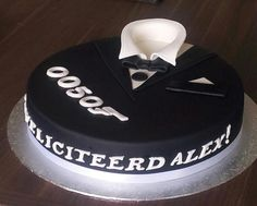 Birthdaycake, man. James Bond, 50, tuxedo, verjaardagstaart, smoking, 3D