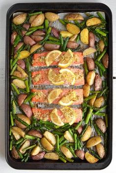 Sheet Pan Lemon Pepper Salmon and Vegetables – Using a bare minimum of dishes, this simple, zesty weeknight meal will help you actually ENJOY dinner with your family! Healthy Dinner Recipes, Cooking Recipes, Oats Recipes, Vegan Recipes, Healthy Salmon Recipes, Cleaning Recipes, Cooking Tips, Recipies, Lemon Pepper Salmon