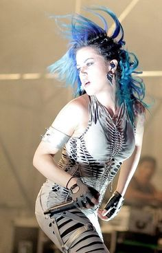 Alissa-White Gluz - Arch Enemy LIVE