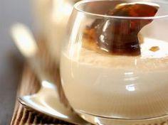 Découvrez la recette Mousse au caramel facile sur cuisineactuelle.fr.