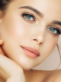 Discover which face serums, both in the bargain and luxury categories, generated top ratings, and finally end your hunt for the best anti-aging serum. Most Beautiful Faces, Gorgeous Eyes, Gorgeous Women, Simply Beautiful, Beautiful Pictures, Girl Face, Woman Face, Best Anti Aging Serum, Nude Lipstick