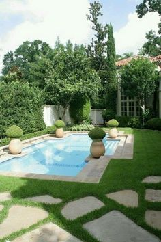 Everyone loves luxury swimming pool designs, aren't they? We love to watch luxurious swimming pool pictures because they are very pleasing to our eyes. Now, check out these luxury swimming pool designs. Small Backyard Pools, Small Pools, Backyard Patio, Outdoor Pool, Outdoor Gardens, Backyard Ideas, Patio Ideas, Backyard Designs, Pool Decks