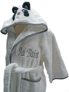839d235a3ee86 Peignoir enfant personnalisé Au Bain pour un cadeau original réalisé par  Brodeway.com #cadeaupersonnalisé