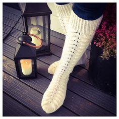 Langoista rakkaudella: Pitkät piirakkasukat Socks, Knitting, Heels, Fashion, Moda, Tricot, La Mode, Breien, Shoes High Heels