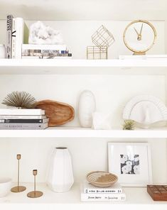Click through for a few bookshelf styling tips to really get those bookshelves noticed from our design contributor Dee Murphy. Room Decor Bedroom, Living Room Decor, Shelving Design, Shelving Decor, Decorating Bookshelves, Living Room Shelves, Bookshelf Styling, Ikea Furniture, Furniture Stores