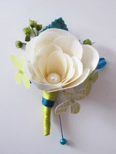 Desicra (etsy) - Custom paper boutonnieres - This is so very beautiful!