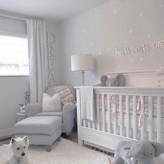 Twinkle twinkle little star ⭐️ Love love love this beautiful nursery featuring our star decals!