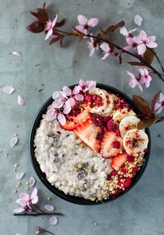 Breakfast To-Go: Vanilla Buckwheat Porridge — and lake Breakfast On The Go, Free Breakfast, Paleo Breakfast, Breakfast Bowls, Mexican Breakfast, Breakfast Sandwiches, Breakfast Pizza, Granola, Desayuno Paleo