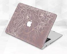 Coque Macbook, Macbook Case, Macbook Pro Models, Macbook Pro 13 Inch, How To Make Labels, Balloon Backdrop, Honey Soap, Bath Salts, Bath And Body