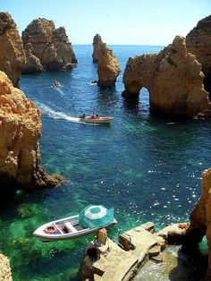 Holidays in Europe - Algarve, Portugal - what a spot - you'll be able to solely attain this with the Bott *** Holidays in Europe? Going by boat within the Algarve, Portugal Places Around The World, The Places Youll Go, Travel Around The World, Places To See, Around The Worlds, Dream Vacations, Vacation Spots, Vacation Travel, Vacation Places