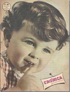 Crónica Feminina era uma revista de sociedade portuguesa. A revista foi fundada em Dezembro de 1956. Pertencia à Agência Portuguesa de Revistas fundada em 19481 . Era conhecida sobretudo pelas fotonovelas que publicava.