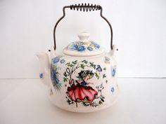 Vintage Ceramic Teakettle Storybook Collectible di metrocottage