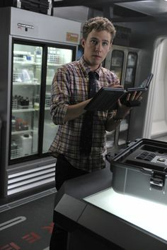 Episode 102: 0-8-4 Image 1 | Marvel's Agents of S.H.I.E.L.D. Season 1 Pictures & Character Photos - ABC.com