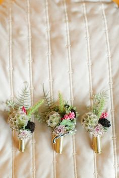 Boutonnieres in shotgun shells. OMG this is great idea especially if their hunters or wedding at farm