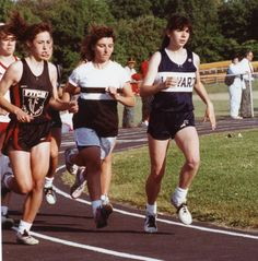1991 ECC Track & Field Championship - Kim Hargrave leading the pack.