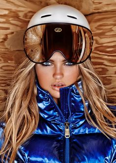 Ski Aspirations–Model Romee Strijd reunites with Goldbergh, taking in a cozy winter vacation in celebration of their latest collection. For winter Apres Ski Outfit, Apres Ski Party, Estilo Fashion, Fashion Moda, Sporty Fashion, Daily Fashion, Fashion Women, Snow Fashion, Winter Fashion