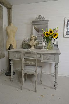 This antique Colonial style dressing table is simply stunning! We've painted in Annie Sloan Paris Grey and highlighted the detail with a lightened Paris Grey and lightly distressed and aged with dark wax. Matching chair available! https://www.thetreasuretrove.co.uk/bedroom-storage/large-shabby-chic-antique-teak-dressing-table #shabbychic #shabbychicbedroom #anniesloan #parisgrey