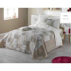 Béžové vintage prehozy na posteľ v motíve patchwork