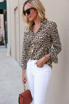 Can I get all the praise hands for leopard being a fall trend! Ok, let's proceed with all things leopard. Fashion 101, Fall Fashion Trends, Fashion Over 50, Fall Trends, Fashion Advice, Look Fashion, Autumn Fashion, Fashion Outfits, Womens Fashion