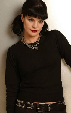 "Season 1 - Promo - Pauley Perrette as Abigail ""Abby"" Sciuto. NCIS, great tv, show. Style, stylish, love her character, portrait, photo"