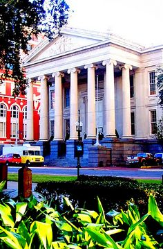 Gallier Hall - former City Hall with Ionic Colmns - New Orleans, Louisiana - the City of Columna