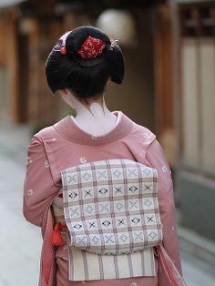 Toshiyui, Komaya Okiya, Miyagawacho