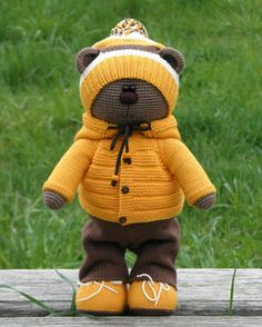 New baby fotos kuscheltier Ideas Bunny Crochet, Crochet Doll Pattern, Crochet Toys Patterns, Cute Crochet, Amigurumi Patterns, Stuffed Toys Patterns, Amigurumi Doll, Crochet Animals, Crochet Dolls